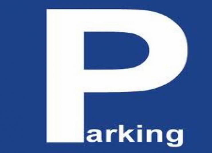 parking-campa-para-aparcar-zona-de-aparcamiento-en-benidorm